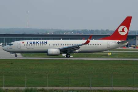 turkish_airlines_b738_tc-jge-albspotter-at-webde.JPG