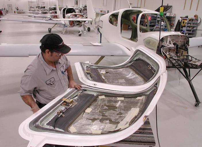 Cirrus Factory 2001